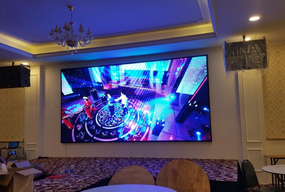 Các ưu điểm của màn hình LED phòng họp, hội trường